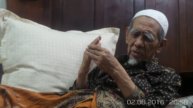 Mbah Maimoen Zubair: Persoalan Politik Jakarta itu Fardlu Kifayah