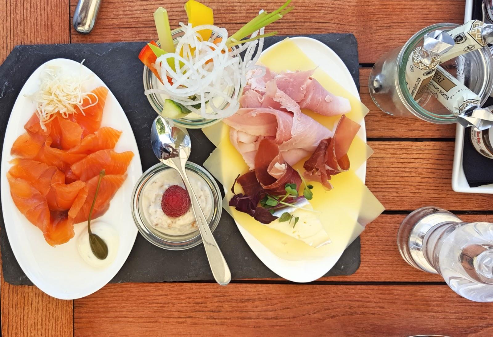 Frühstück im Do&Co in der Albertina   Champagner zum Frühstück