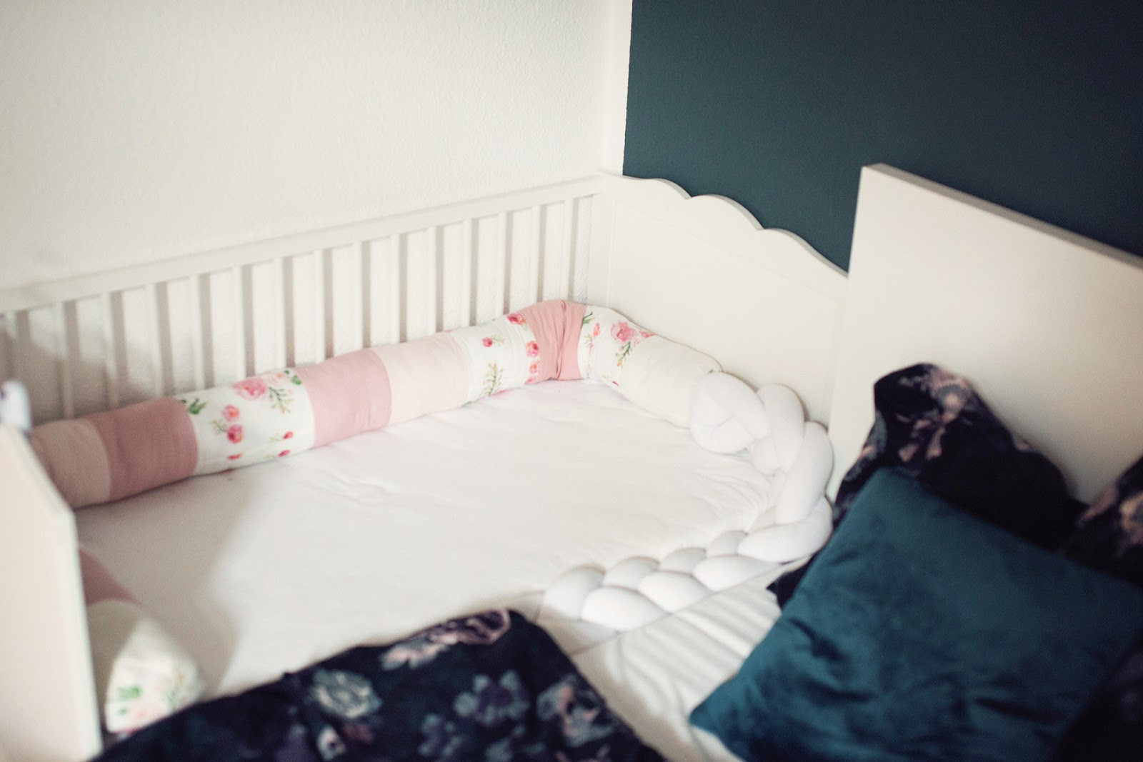 inlovewith. Black Bedroom Furniture Sets. Home Design Ideas