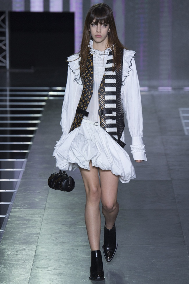 2016 SS Louis Vuitton Monogram Painted Leather Waistcoat on Runway