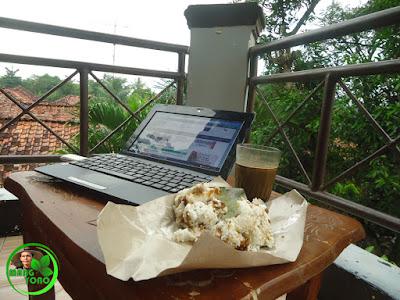 NGEBLOGG, Dodongkal dan segelas kopi kental