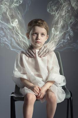 Green Pear Diaries, fotografía, Lee Howell, Anti Passive Smoking Awareness