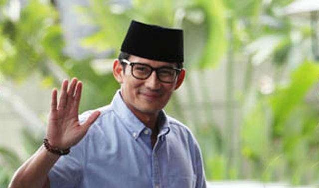 Rencana Prabowo Subianto menghadiri haul akbar Guru Sekumpul ke-14 sore ini, Minggu (10/3/2019) dipastikan batal. Sebagai gantinya, ia mengirim wakilnya Sandiaga Uno.