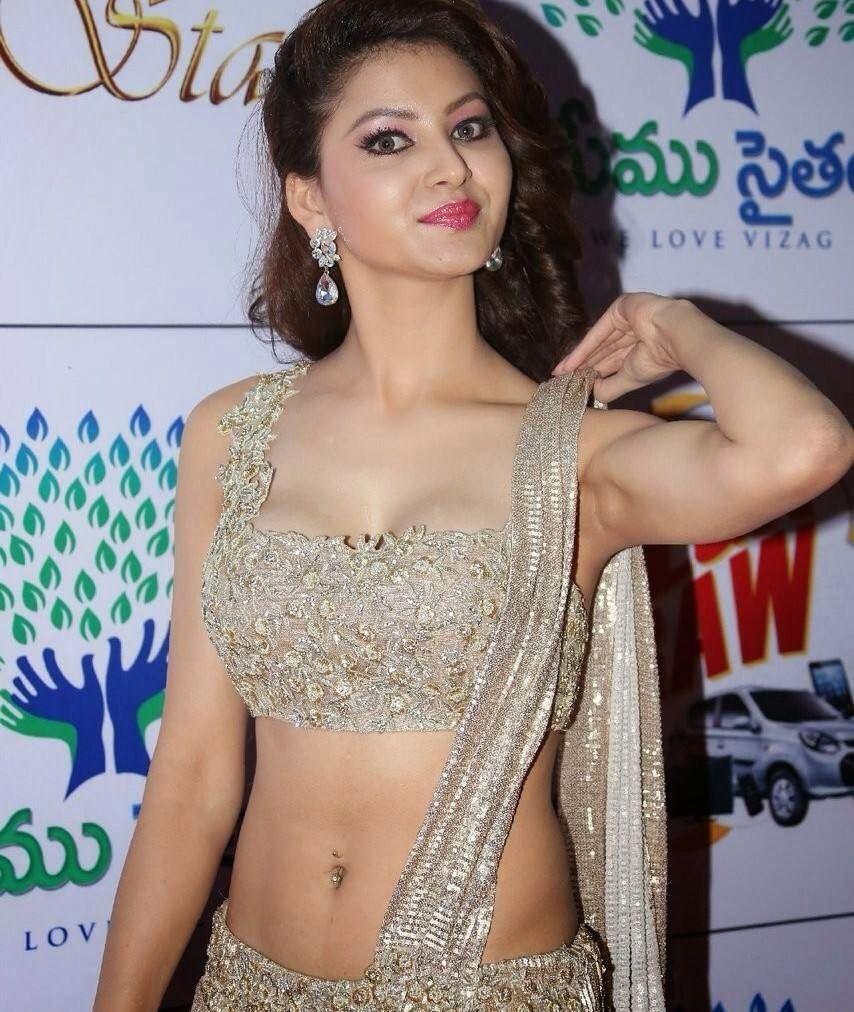 Urvashi Rautela Exposing Armpit