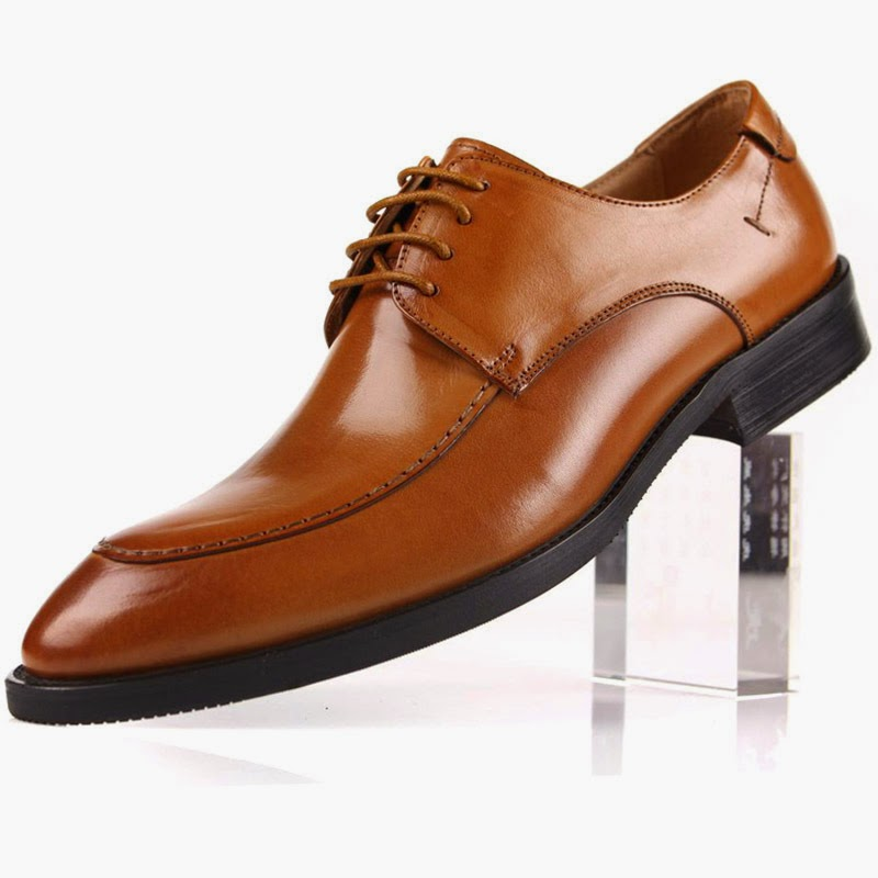 Trends in Dubai   5 Pairs of Shoes that Men Must Have - Discounted ... 13d1b0b43178
