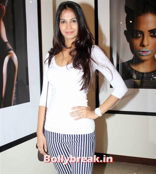 , Hot Bollywood Actresses at Vikram Bawa Calendar Launch