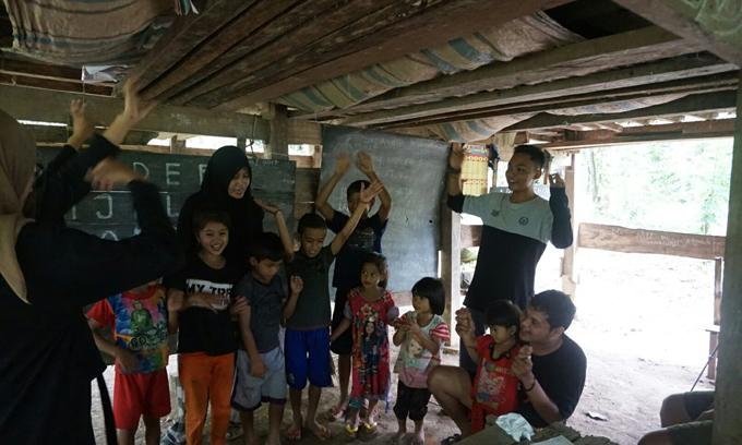 Pelajar Ini Buat Surat Perihal Mirisnya Fasilitas Sekolah Kolong Maros