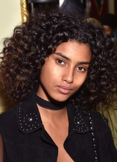 model rambut keriting warna hitam