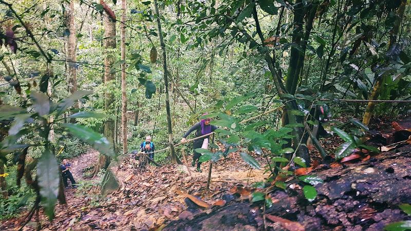 Trek mendaki Gunung Angsi via Ulu Bendul 1