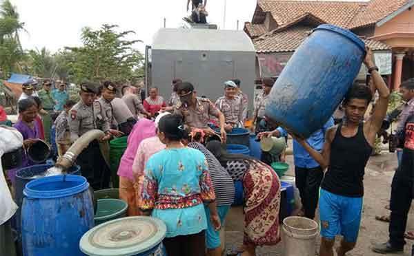 warga krangkeng kesulitan air bersih