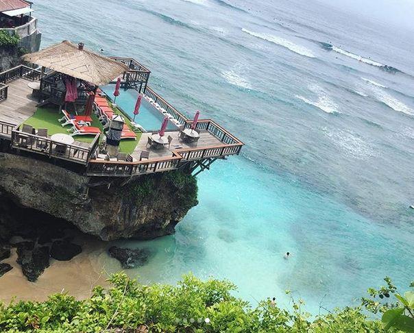 Wisata Pantai Suluban Uluwatu (Blue Point Beach) di Badung Bali Informasi Terbaru