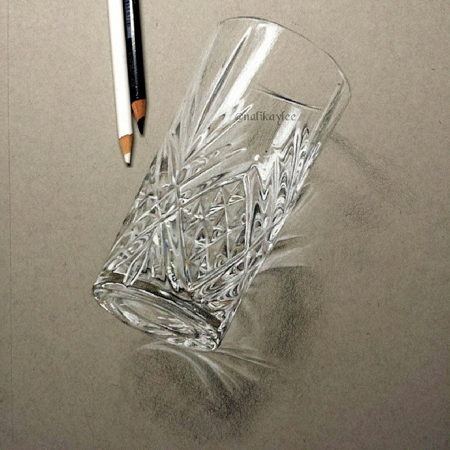 14-Glass-Kaylee-Yang-nalikaylee-Realistic-Drawings-which-Include-Animals-and-Objects-www-designstack-co