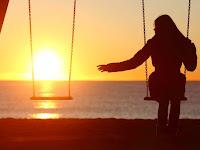 Novel : Engkau Yang Sedang Mencintai Seseorang Yang Tidak Mencintai Mu