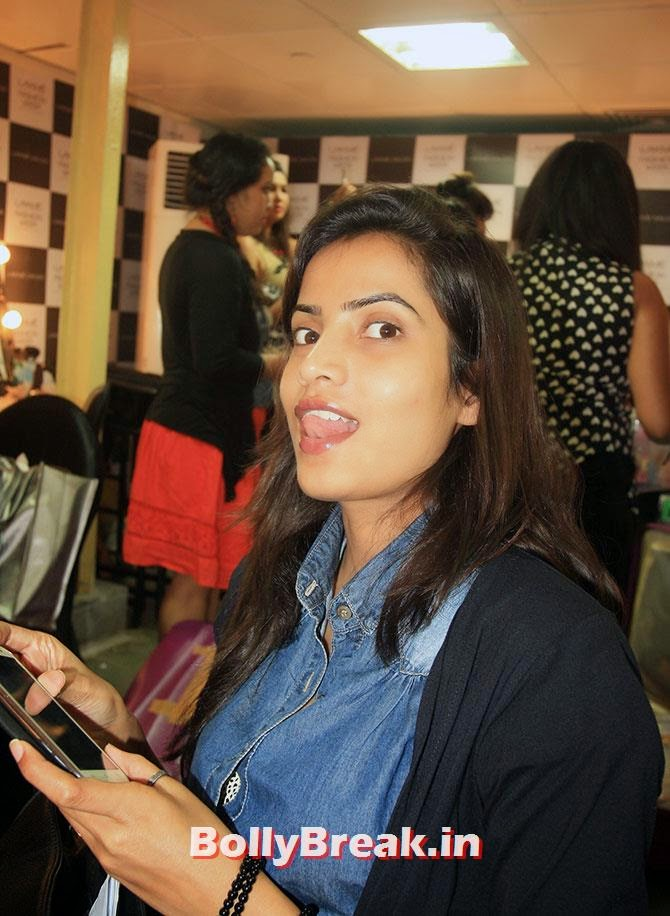 Hida Siddiqui, Hot Models Backstage Pics - Lakme India Fashion Week