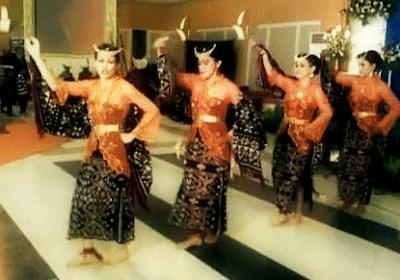Tari Foti Lalendo Tarian Daerah Rote Ndao Nusa Tenggara Timur