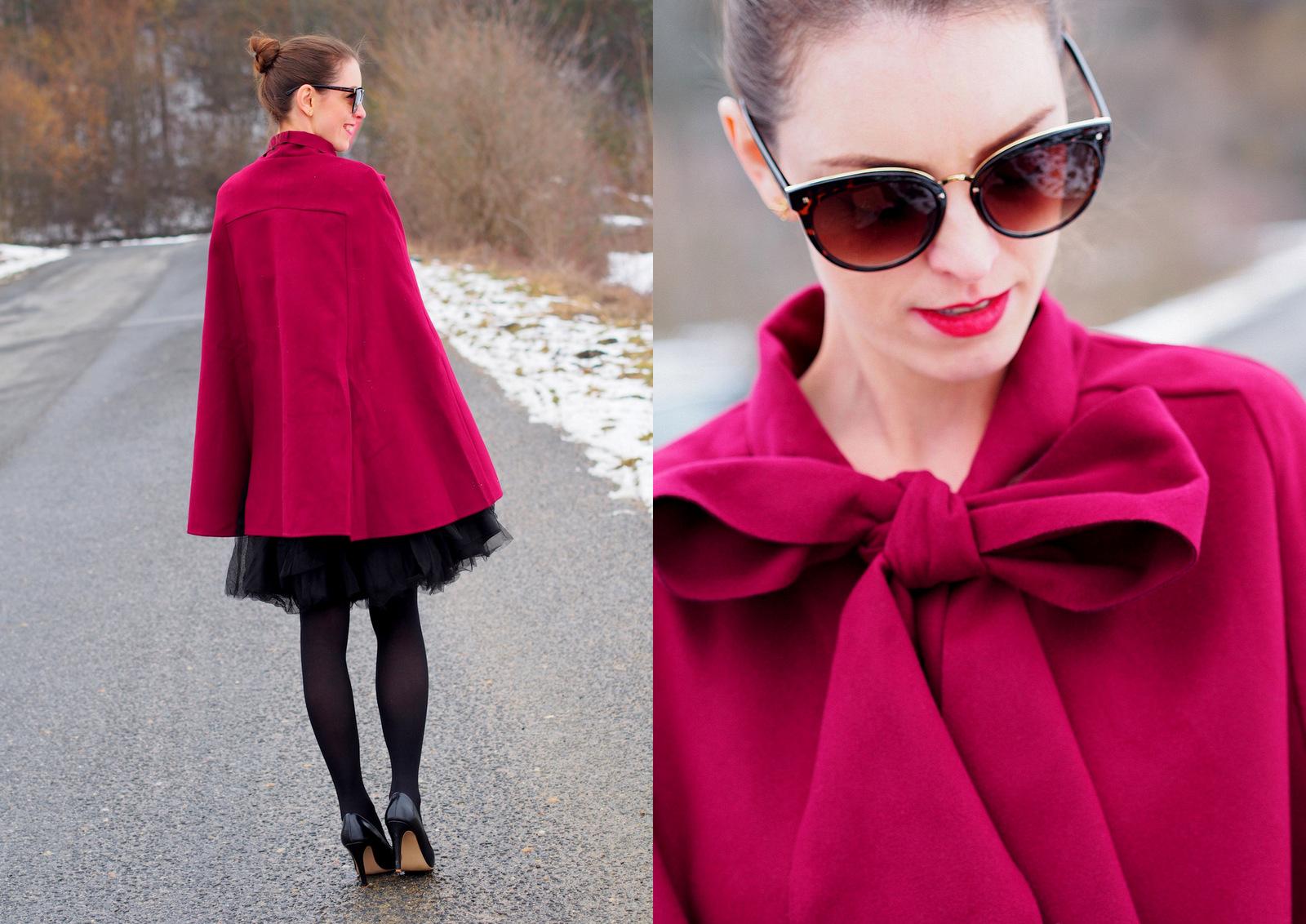 elegantný outfit v peleríne s veľkou mašľou  // tipy ako nosiť pelerínu