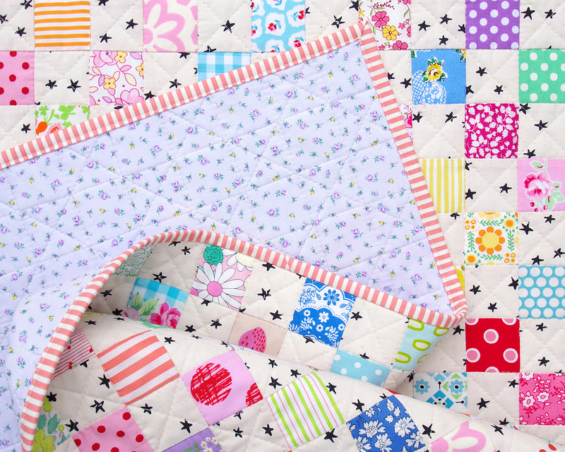 Twinkle Star Baby Quilt | A Finished Quilt | © Red Pepper Quilts 2017