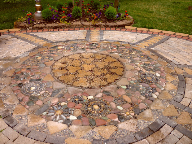 Wow Busy Garden Creating Paver And Pebble