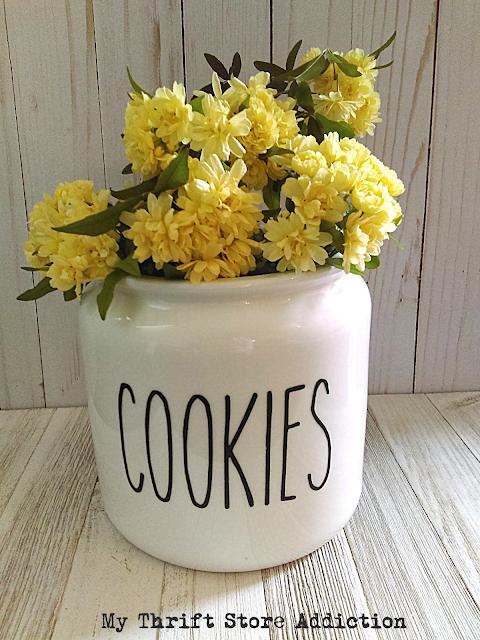 Rae Dunn cookie jar