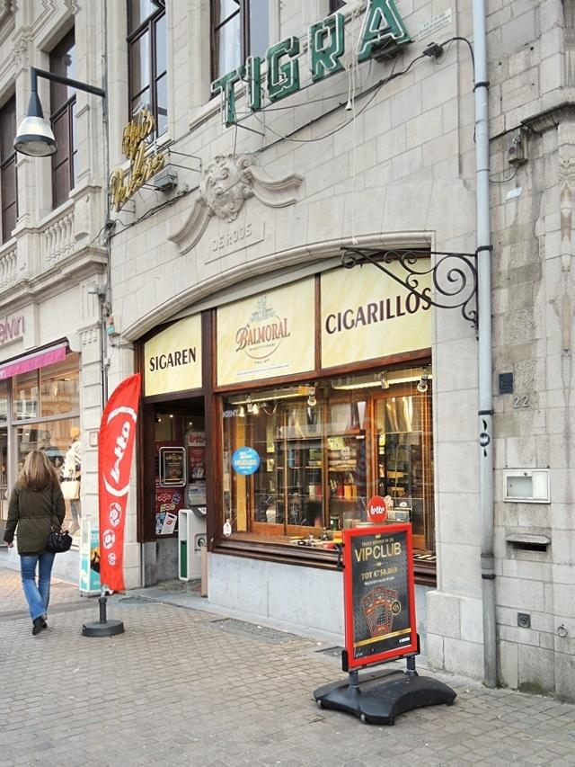 sigarettenwinkel op de grote markt