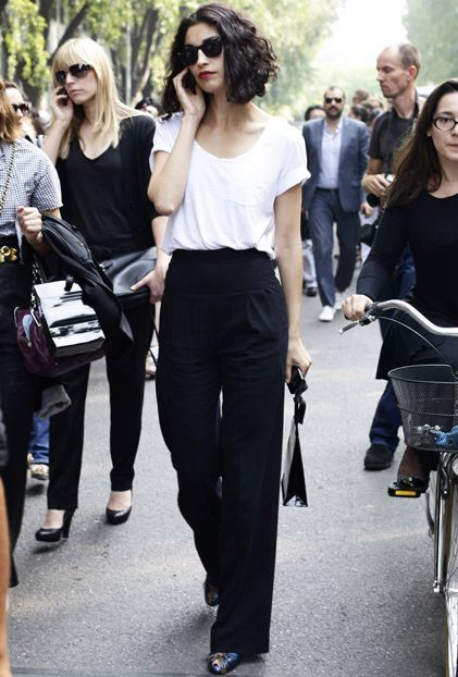 Office Look Simple White Tee In High Waisted Black Trousers And