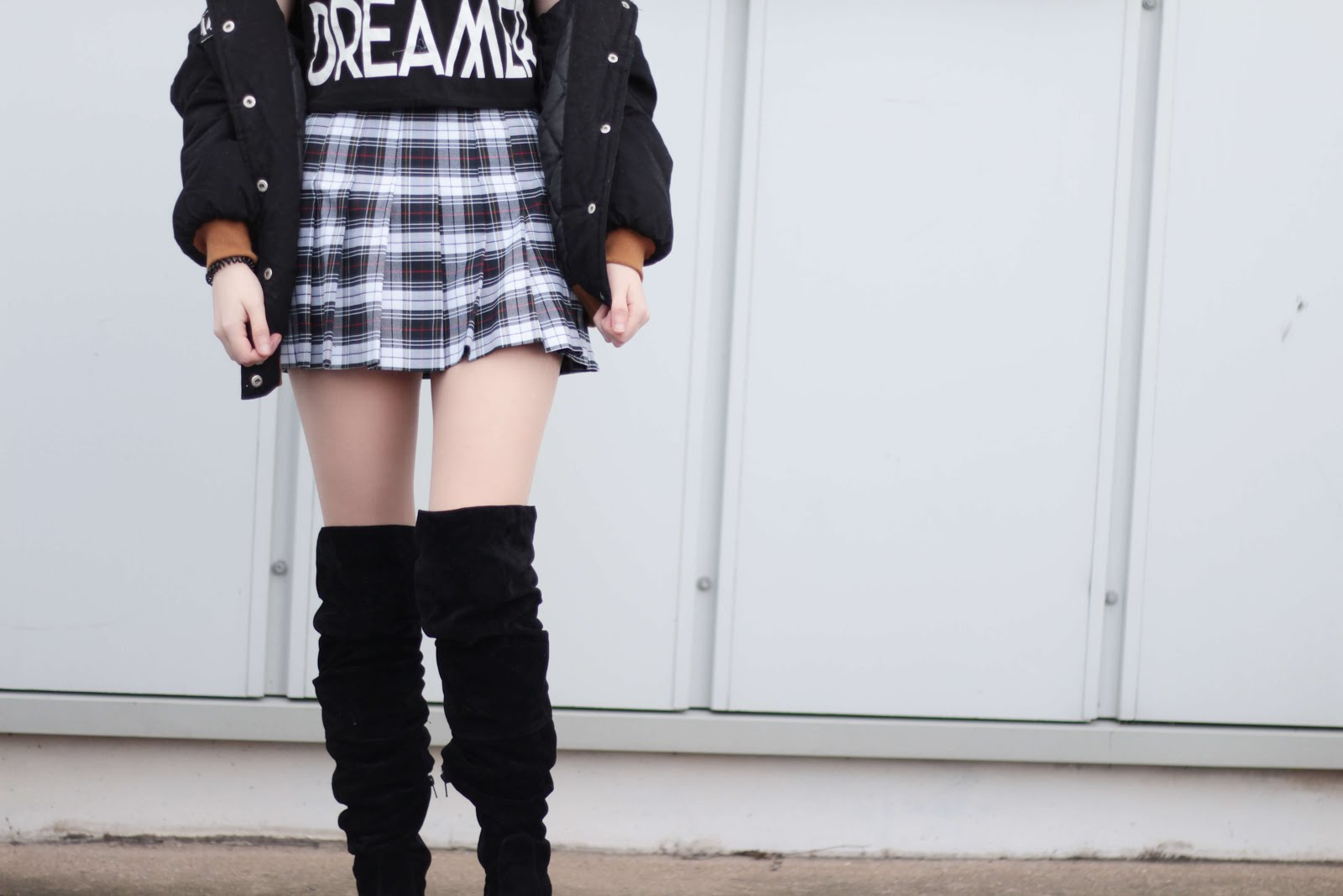 style inspiration over knee flat boots uk fashion blogger