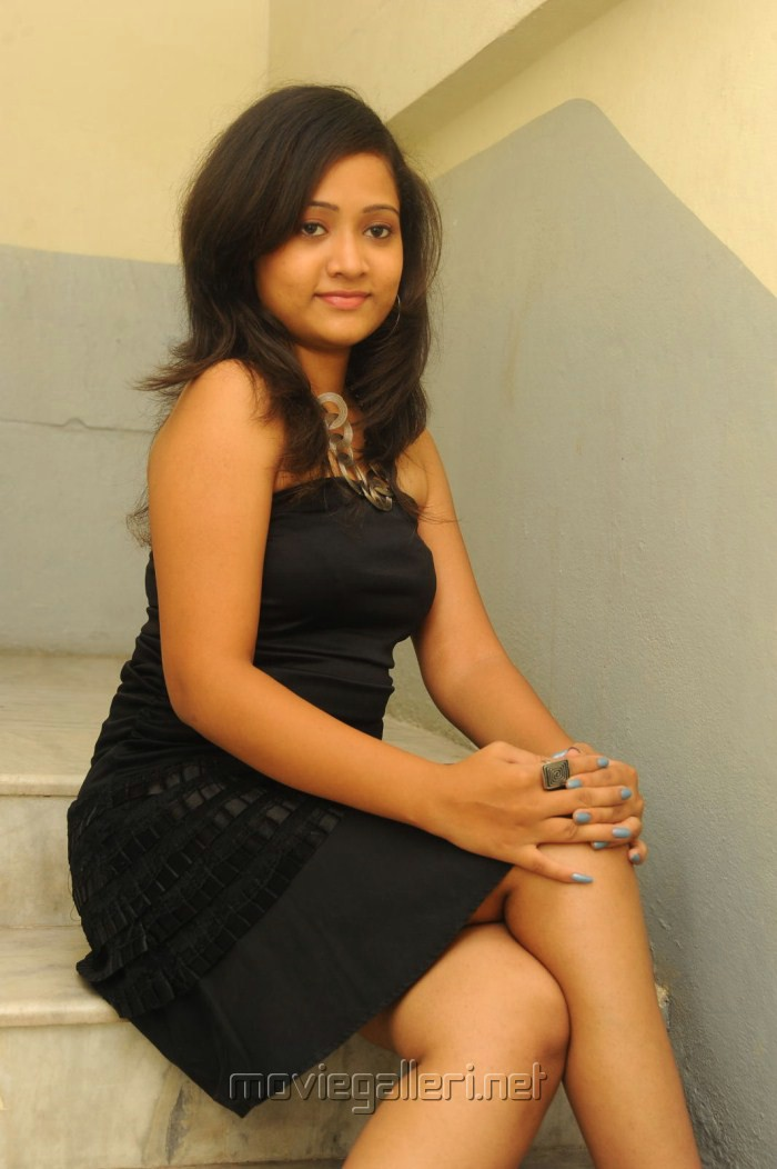 Sindhu Sri In Black Dress Hot Photo Shoot Stills - Sabwoodcom-9389