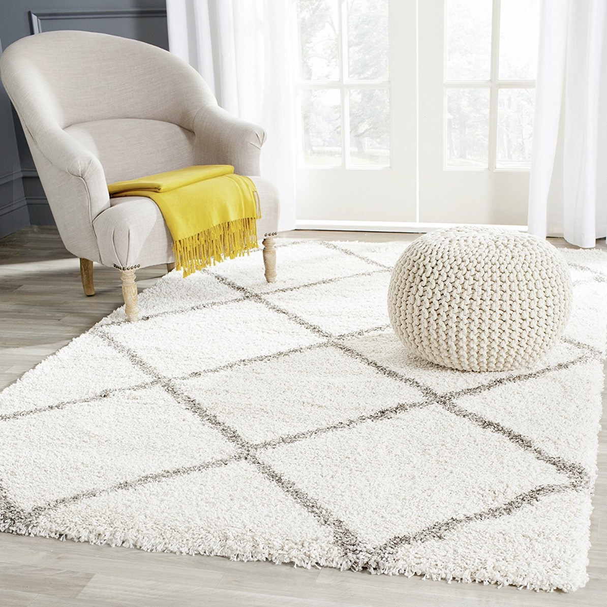 Ivory and grey shag rug with diamonds