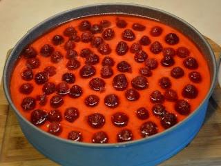 owocowy sernik na zimno na biszkopcie