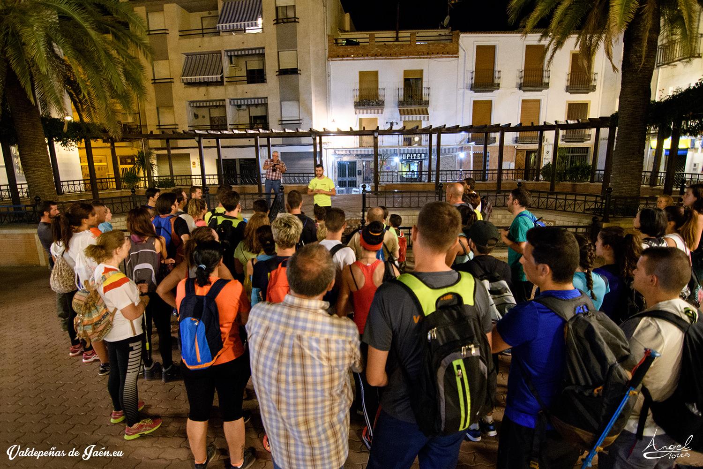 Inicio de la ruta nocturna en Valdepeñas de Jaén