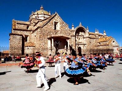 Foto de puneños bailando