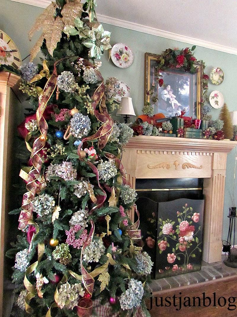 just jan: Christmas Mantel 2014