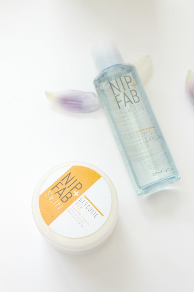 Nip + Fab glycolic fix daily cleansing pads and glycolic fix cleansing foam review - Nourish ME www.nourishmeblog.co.uk