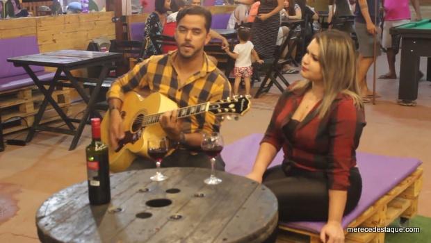 Música de Alberto Grilo é cantada em ritmo de Xote por Saulo Alves e Ana Clara com participação de vários músicos santacruzenses
