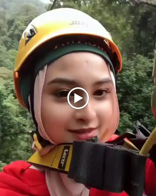 Hijaber Beautiful Traveling