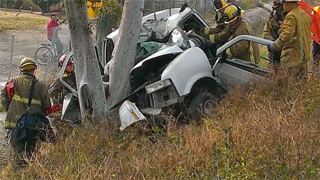 kern county bakersfield minivan crash highway 178