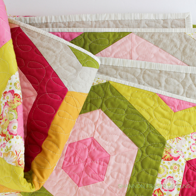 Hexie Stripe Quilt | Suzy Quilts' Pattern | Modern Quilt | Color Pop | Shannon Fraser Designs | Kona Cotton | Essex Linen | Anna Maria Horner Print | Quick Quilt Pattern | Free Motion Quilting