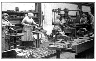https://upload.wikimedia.org/wikipedia/commons/f/fe/WW1_Churchills_Pendleton_women_at_work_1916.png