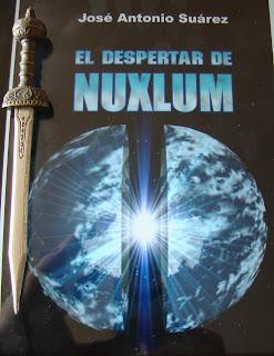 Portada del libro El despertar de Nuxlum, de José Antonio Suárez
