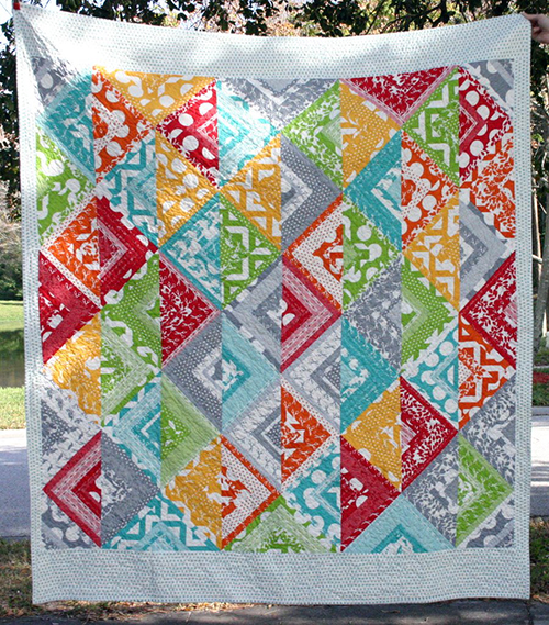 Modern Halves Quilt designed by Elizabeth Dackson of Don't Call Me Betsy