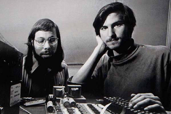 Steve Jobs và người đồng sáng lập