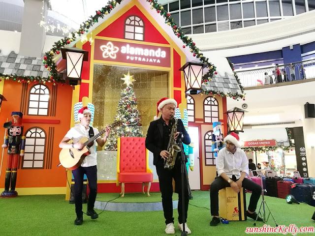 Family Activities, Alamanda Shopping Centre, Whimsical Christmas, Alamanda Shopping Mall, Christmas Decor, Holly Train Express, Nutcrackers, Shopping Mall Christmas Decor, Shopping Mall, Lifestyle