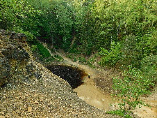 Jeziorko Żółte z wierzchowiny skały.