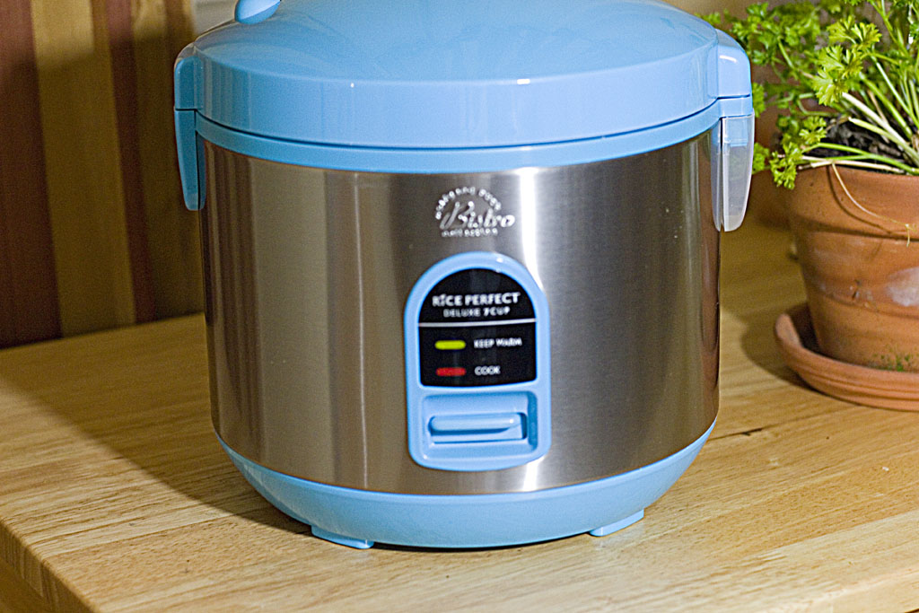 Making Pasta in a Rice Cooker - The Midnight Baker