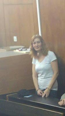 העיתונאית לורי שם אזוקה בבבית המשפט להמשך מעצרה על פרסומים במרשתת