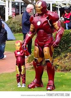 Papà e hijo Iron Man Heroe