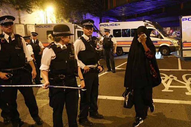 Atentado contra mezquita en Londres deja un muerto y 10 heridos