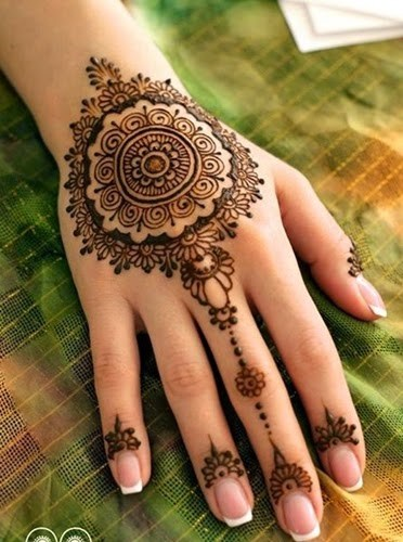 Beautiful Pakistani Mehndi Designs
