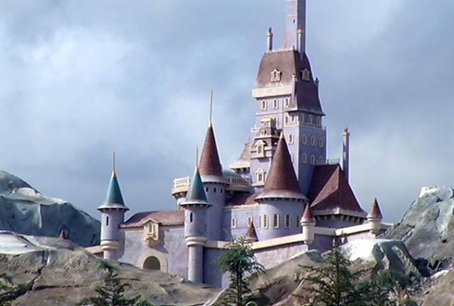 New Fantasyland Castelo Bela e a Fera