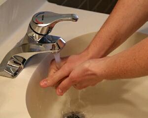 cara membersihkan najis